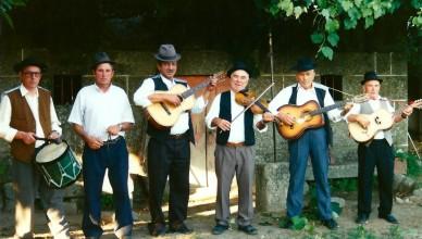 Conjunto instrumental denominado chula, Baião, 1993